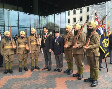 Lord Mayor Bham with sikh battalion