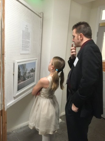 Finding out about the mosque exhibition